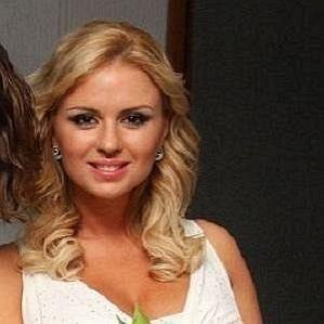 who is Anna Semenovich dating