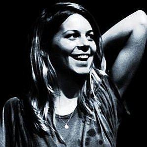 Binki Shapiro profile photo