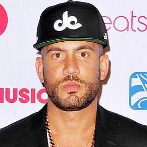 who is DJ Drama dating