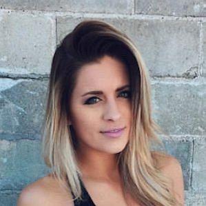 Whitney Simmons profile photo