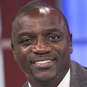 who is Akon dating