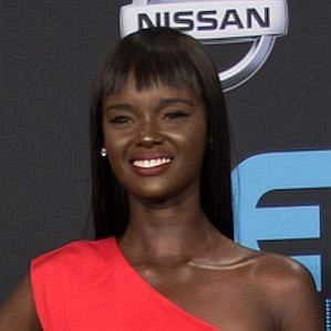 who is Duckie Thot dating