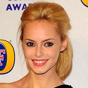 who is Hannah Tointon dating