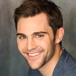 Nick Uhas profile photo