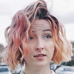 Tessa Violet profile photo