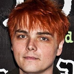 who is Gerard Way dating