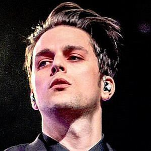 who is Dallon Weekes dating