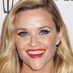 who is Reese Witherspoon dating