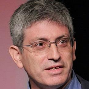 Carl Zimmer profile photo